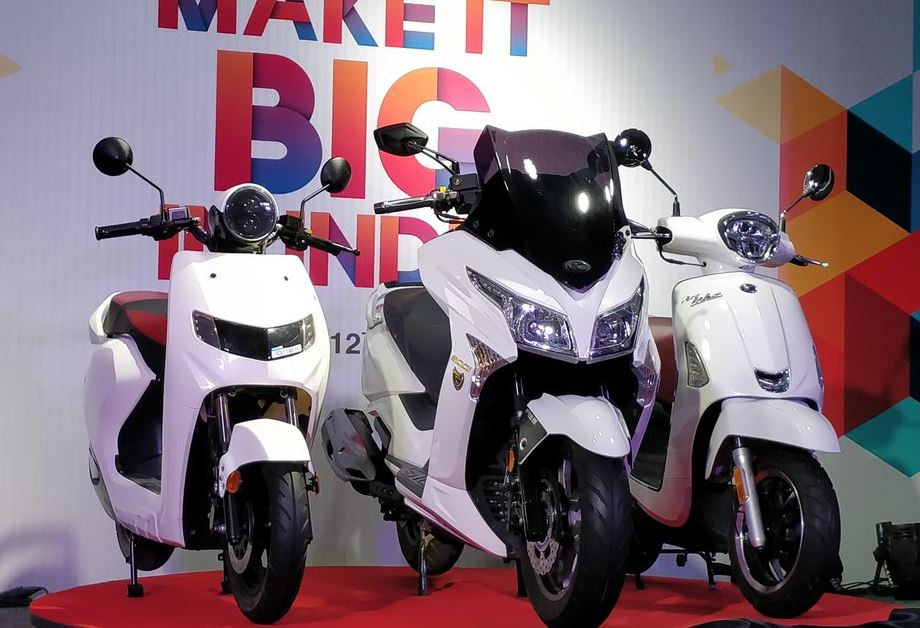 22 kymco scootes