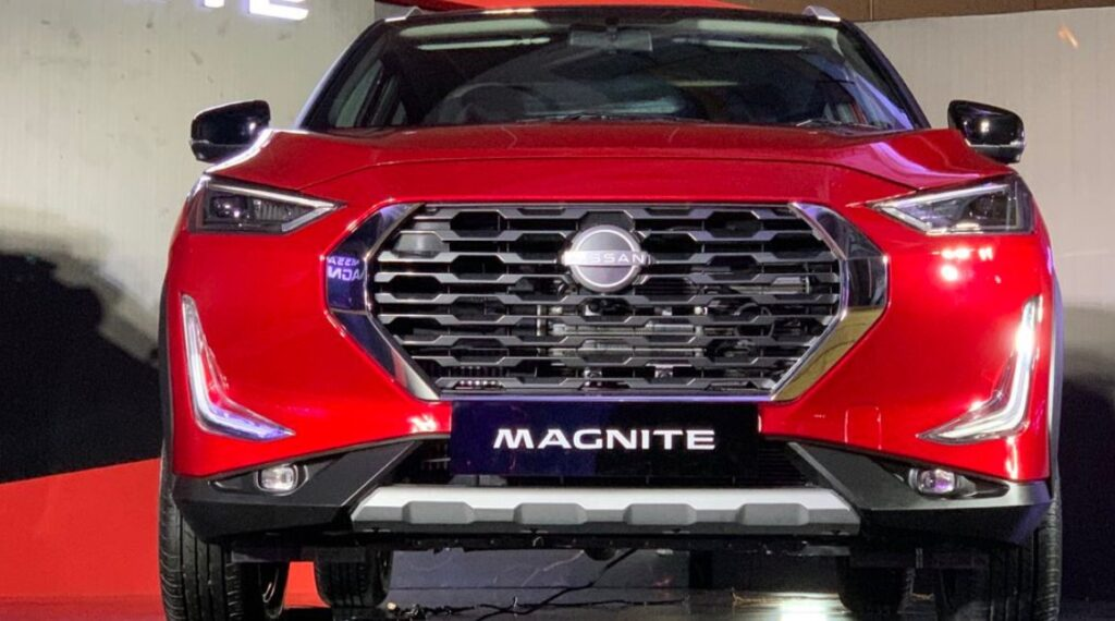 Nissan magnite suv front